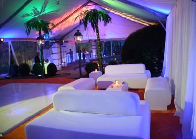 Anniversary Lounge to Pool